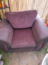 Beautiful dfs chair for sale