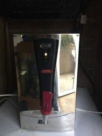 Instanta 2.5ltr wall mounted water boiler