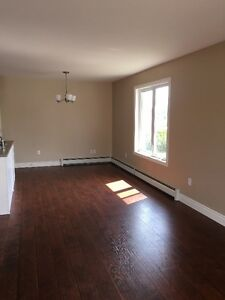 2-Bed Apartment in Newer 4-Plex Available Immediately