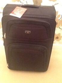 Antler 71cm large rollercase soft suitcase black