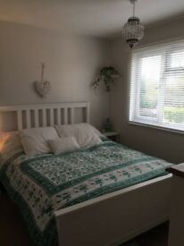 Lovely furnished double room available in South Reigate