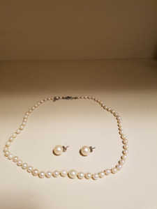 """""""Pearl Necklace c/w appraisal"""""""