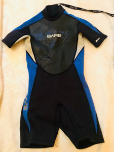 BARE children's size 8 wetsuit - NEW!  Fits 7-9 yrs old