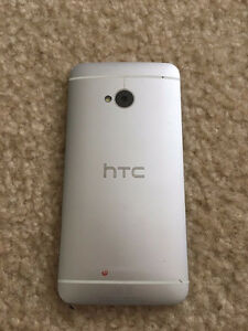 UNLOCKED HTC One M7 32gb Silver (Unlocked) android smartphone