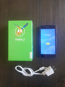 Moto G5 Unlocked Smartphone Android (16GB) - Excellent Condition