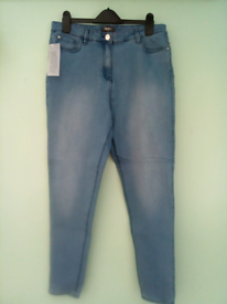 Brand New! Ladies Jeans size 14 stretch denim 29 inch leg, with tag!!