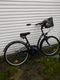 b'twin dutch style bike