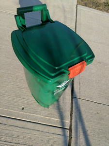 Brand new - Compose garbage bin