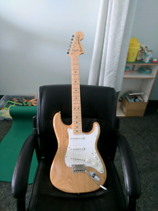 Like new Fender Stratocaster Classic series 1970s maple