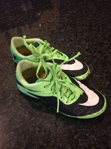 Nike indoor soccer shoes 1Y