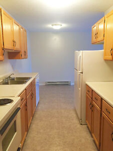 2 bedroom on Biggs st. Avalable NOW, NO CARPET