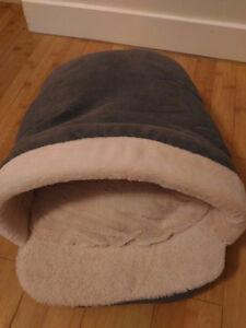 Brand new cat/small dog bed