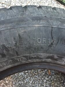 Good year tracker 2 tire Sarnia Sarnia Area image 1