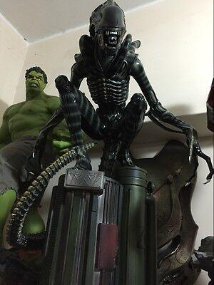 Recast 1:4 Scale Alien AVP Vs PrAlien Warrior crouching figure Resin statue Spot
