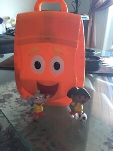 Dora back bag with figurines. AVAILABLE