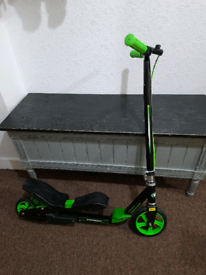 Kids wired self propelling scooter 7-15 years (Delivery possible)