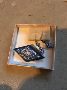 NEW Earring and Brooche Set