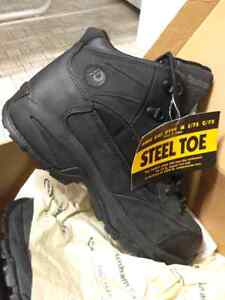 Man size 8.5 steel toe work boots, brand new
