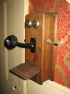 Hundred year old Cranking Wall Telephone, solid Oak (works)