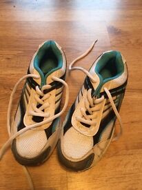 Trainers - size 3