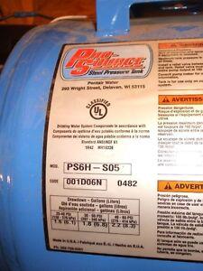 Pompe eau / Pressure Tank 2 Gal & Pompe 115V Lac-Saint-Jean Saguenay-Lac-Saint-Jean image 2