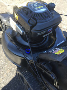 EXCELLENT CONDITION LAWNMOWER 6.75 BRIGGS SELF PROPELLED