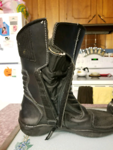 Women's size 8 Motorcyle Boots