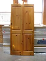 Solid Knotty Pine 4 Panel BiFold Doors (Pristine Condition)