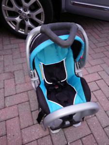 INFANT CAR SEAT (2017) - LIKE NEW!!
