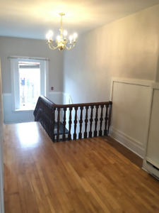 Uptown 1 Bedroom Apartment Available July 1st