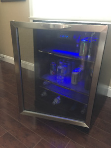 Danby Silhouette 5.3 Cu. Ft. Beverage Centre $200(or best offer)