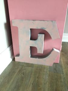 Lettre E en métal / 18 pouces