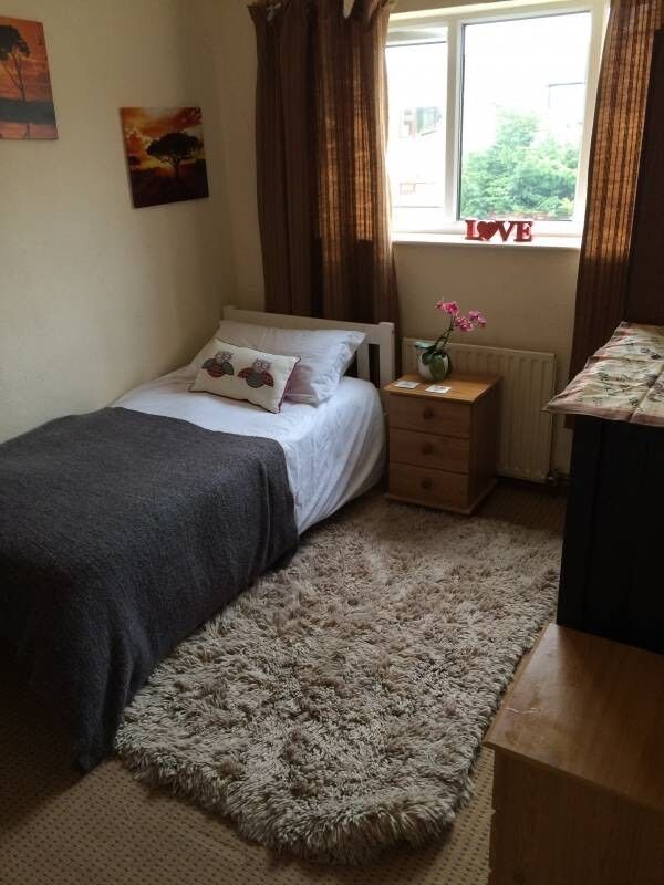 Spacious Single Bedroom to let available end of January