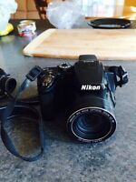 Nikon camera with 8GB sd card, charger and bag!