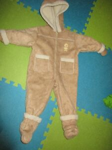 LIKE NEW :  Snow Suit = $20.00    ( LONDON EAST )
