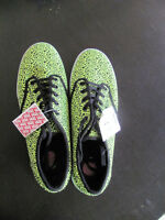 Brand New Green & Black Van's Ladies Runners Shoes Size 8.5
