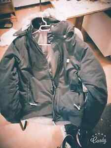 MENS 'BENCH' BOMBER JACKET!! LIKE BRAND NEW-BARELY BEEN WORN! XL