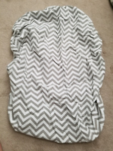Kushies playpen fitted sheet- grey and white Chevron