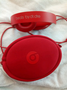 Red Beats By Dr. Dre with case