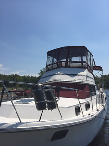 3607 Carver Yacht for renovations