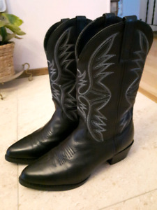 MENs Western Boots in MINT Condition