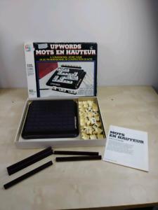 Jeux société UP Words Milton Bradley Scrabble