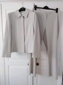 Ladies Trouser Suit Size 16