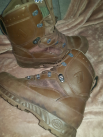 Mens walking boots like new size 9
