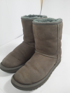 *UGGS - belles bottes - woman size 7 or 38*
