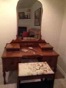 Dressing table with mirror & stool & matching dresser