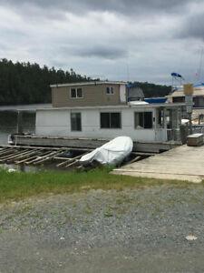 42 ft Jensen Houseboat