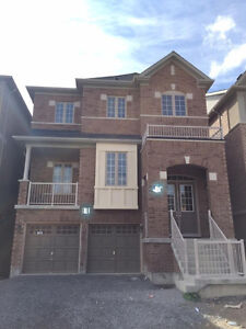 Never Live in New Detached House 4 Bedrooms-2 Garages at Aurora
