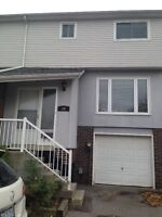 2 Rooms available for rent in Downtown Whitby (furnished t/h)