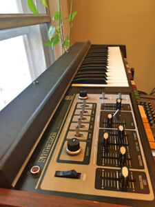 Roland SH-2000: Vintage synth in great condition